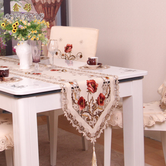 Xin Tong pastoral European embroidered table runner