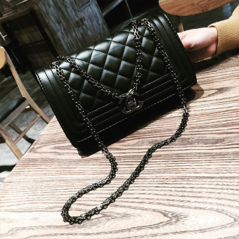 2017 New style bag tide fashion handbags retro small bag shoulder bag messenger bag small fragrant wind quilted chain bag