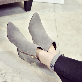 Korean-style pointed suede high-heeled shoes (Gray)