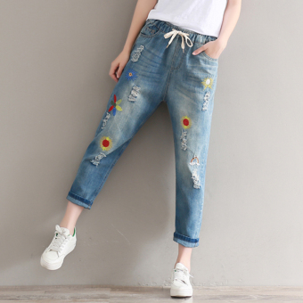 Women's Large Size Ripped Embroidered Denim Cropped Pants