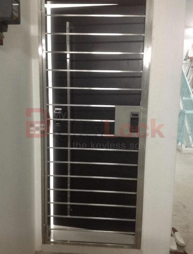 DESIGN 4 STAINLESS STEEL HDB GATE (4 x 7)