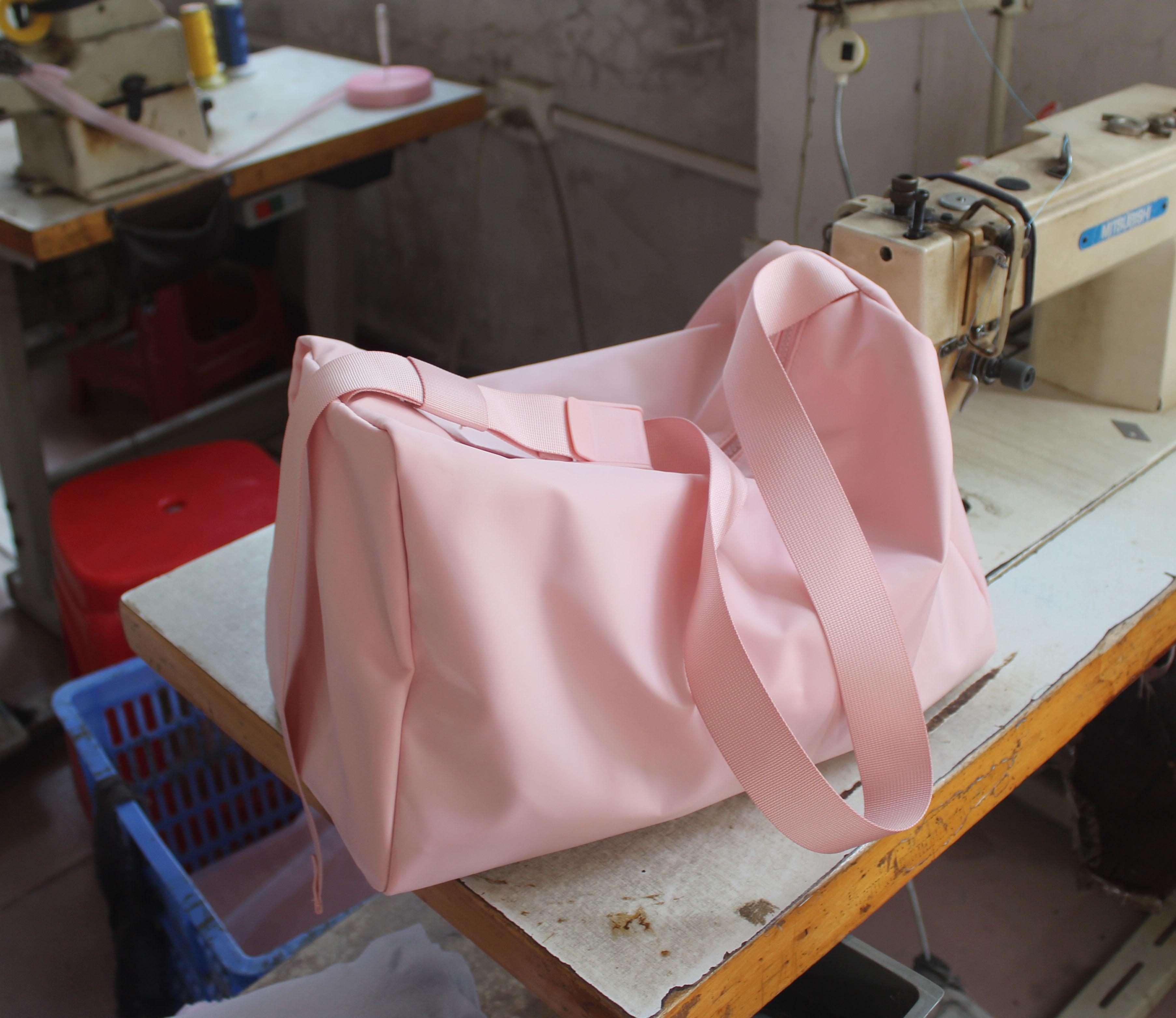 France COS New Style Womens Bag Canvas Large Bag Light Oxford Cloth Crossbody Bag Large Capacity Travel Shopping Bag