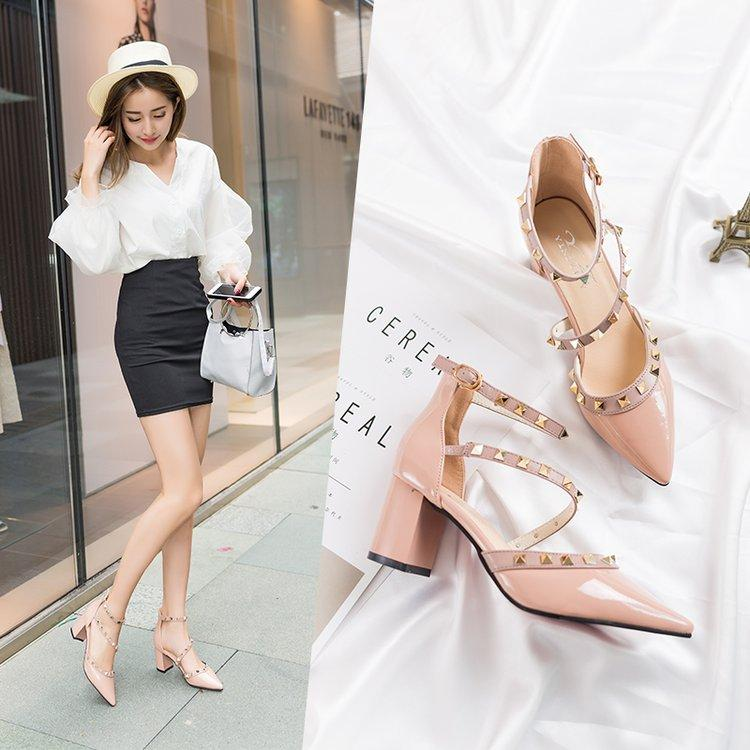 Hipster Closed-Toe Sandals Female Spring 2019 New Style Korean Style Versatile Straight-Line Buckle Chunky Heel Semi-High Heeled Rivet High Heel Shoes By Taobao Collection.