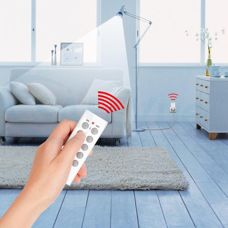SAFEVue smart outlet remote control with Battery