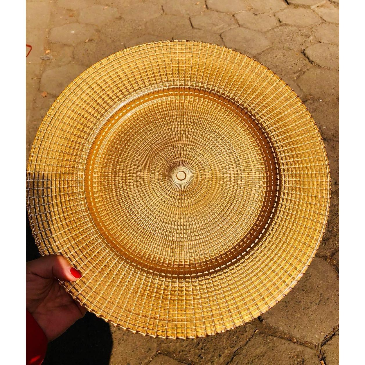GILDED GLASS PLATE IN GOLD