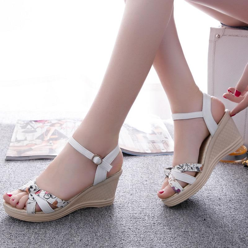 7d6121bed6d3bf Women s Sandals 2019 New Style Anti-slip Wedge Sandal Female Schick Korean  Style Students Fashion