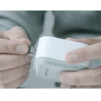 Original Xiaomi Wifi Repeater Electric Power Cat 2.4G Wireless Range Extender Router Access Point 300MPS Signal Amplifier - intl - 3