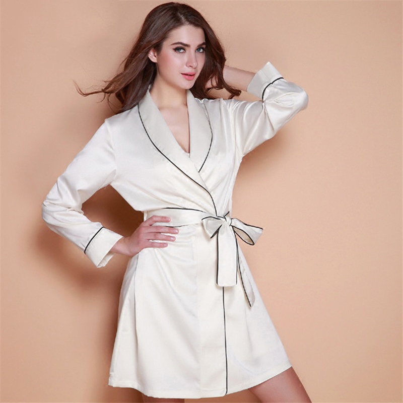 2017 New style silk sexy pajamas autumn long section nightgown thinsection bathrobe female sweet Korean-style home clothes