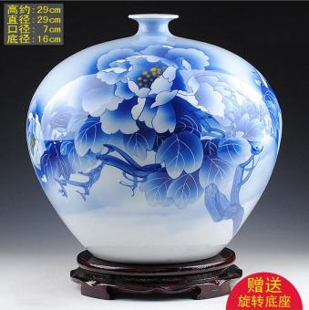 Famous hand-painted blue and white porcelain vase ceramic porcelain