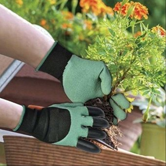 Harga 1 Pair Garden Gloves Digging Planting 4 ABS Plastic Claws Gardening Gloves Tool - intl