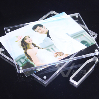 A4 acrylic certificate strong magnetic children's photo frame Crystal Photo Frame