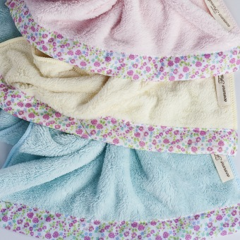 NASTEX Japan famille microfiber floral luxe bath towel, 70 x 140 cm (Pink) - 2