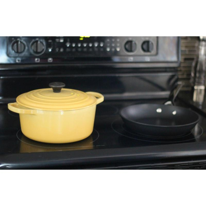 Le Creuset Cast Iron Round French Oven 18cm, Classic (Quince) Singapore