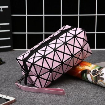 Harga Fashion Geometric Zipper Cosmetic Bag Women Laser Flash Diamond Leather Makeup Bag Ladies Cosmetics Organizer ( Pink ) 20X8X8CM - intl