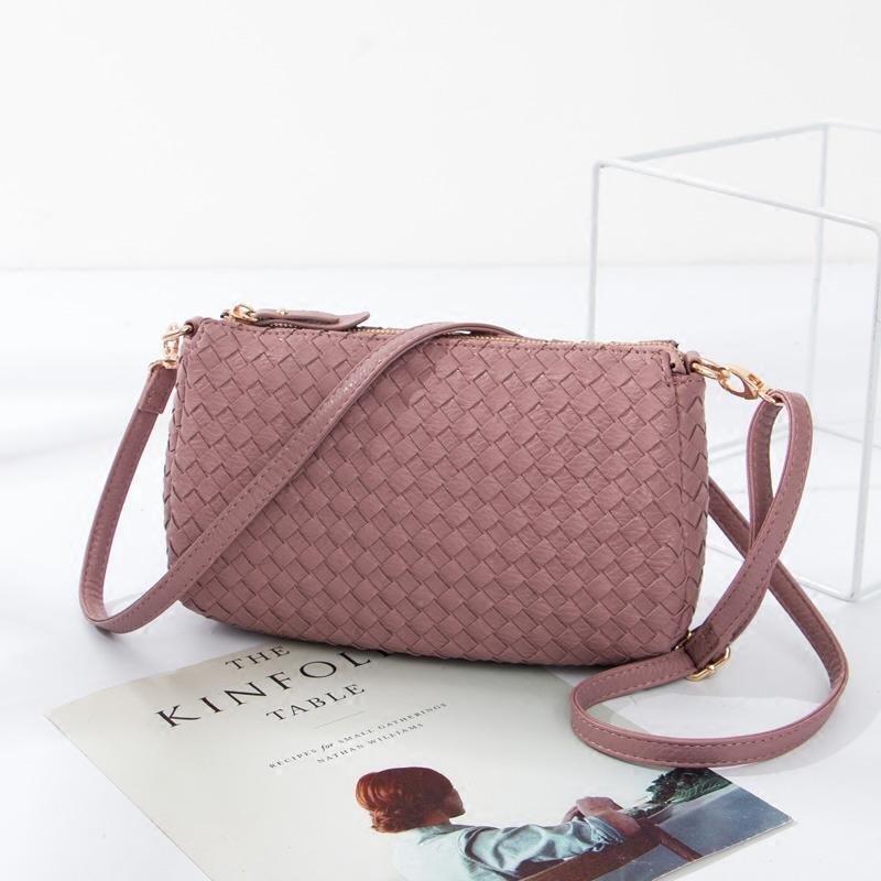 2017 autumn new female bag hand bag shoulder messenger bag pure handmade woven bag female models woven small bag (Small Shallow pink)