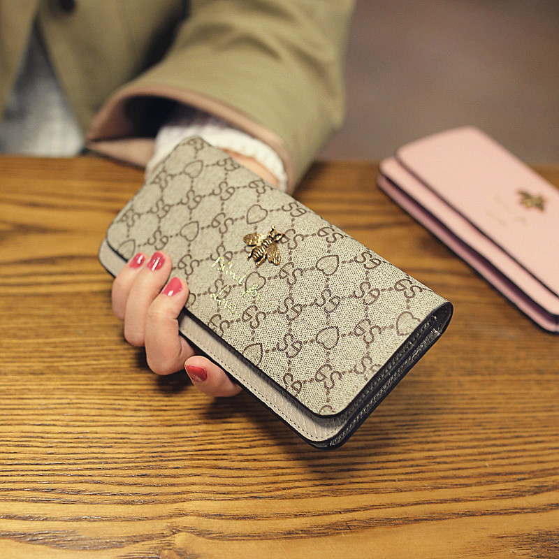 2017 New style European and American leather wallet Ms. long section of small bee purse-leather wallet clutch bag wallet tide (Beige printing)