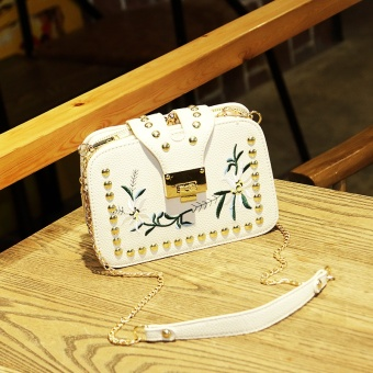 2017 New style handbag embroidery small square package wild rivet small bag Korean-style tide mini chain shoulder messenger bag (White three layer)