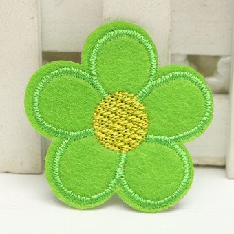 Harga 1pcs Embroidered Cloth Iron On Patch Sew Motif Applique The little flower Apple Green NEW - intl