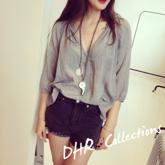 Harga 2016 korean version of the loose natural folds of lace stitching lace shirt blouse (Gray)