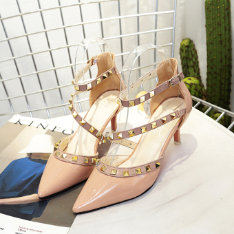 Korean-style word buckle thin heeled pointed porous high-heeled shoes riveted sandals (Pink)
