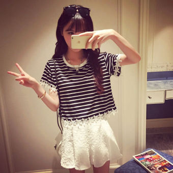 Loose Korean-style T-shirt student on the horizontal striped bottoming shirt (Lace black [there]) (Lace black [there])