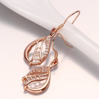 Harga Pair of Stylish Women's Rose Gold Rhinestone Openwork Pendant Earrings