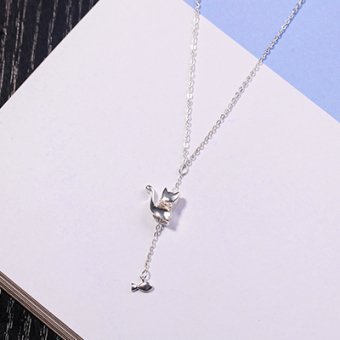 Japan and South Korea New style dog bite bone clavicle chain girls cat fish pendant Cool temperament S925 sterling silver necklace