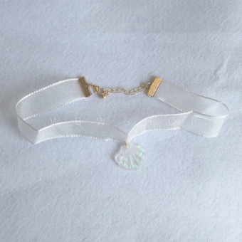 Other European and American transparent fan-shaped necklace shell necklace